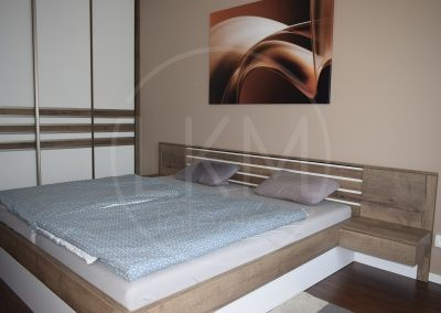 Manželská posteľ s led podsvietením